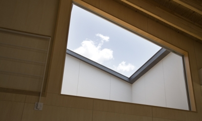 佐野の大屋根 (窓(撮影:淺川敏))