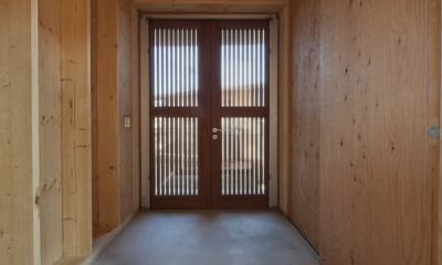 上麻生の家 (玄関-1(撮影:淺川敏))