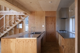 上麻生の家 (キッチン(撮影:淺川敏))