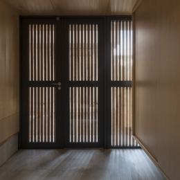 武蔵境の家 (玄関1(撮影:淺川敏))
