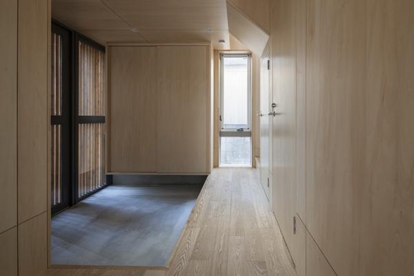 武蔵境の家 (玄関2(撮影:淺川敏))