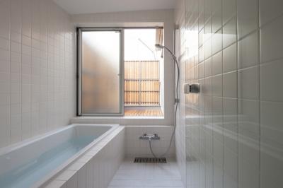 浴室(撮影:淺川敏) (武蔵境の家)