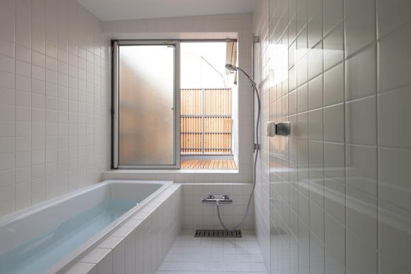 武蔵境の家 (浴室(撮影:淺川敏))