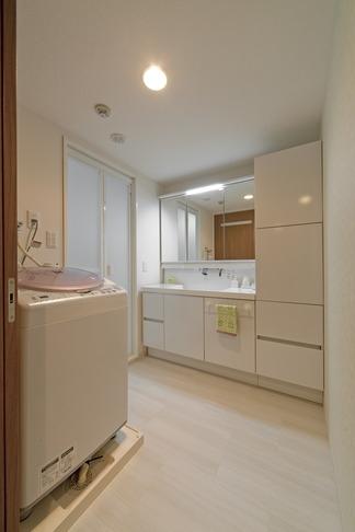 ルームシアターのある暮らしの部屋 洗面・脱衣所
