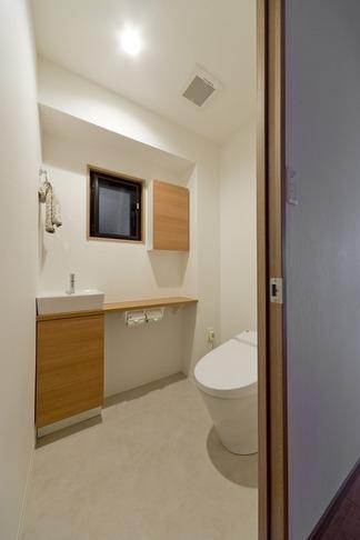 物件購入からリノベーション、ローン手続きまで一任できる楽しい「中古リノベ」が実現の写真 トイレ
