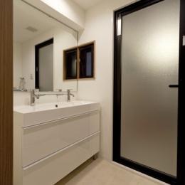 物件購入からリノベーション、ローン手続きまで一任できる楽しい「中古リノベ」が実現 (洗面室)