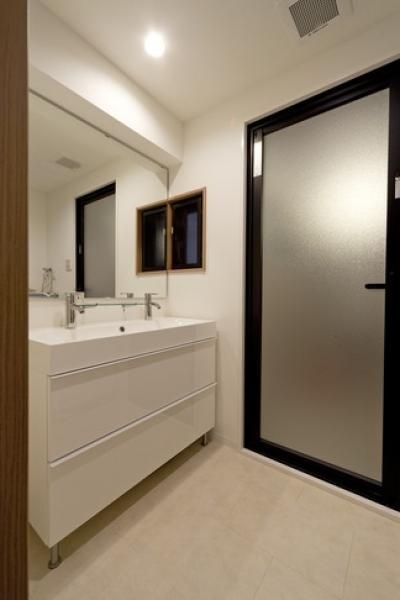 洗面室 (物件購入からリノベーション、ローン手続きまで一任できる楽しい「中古リノベ」が実現)