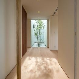 飯塚の住宅 (玄関ホール)