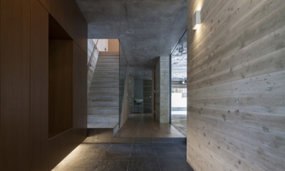 上大岡の家 (玄関2(撮影:淺川敏))
