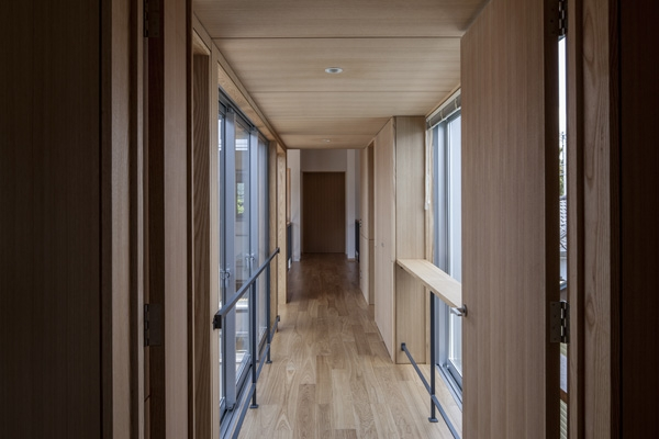 上大岡の家の部屋 廊下(撮影:淺川敏)