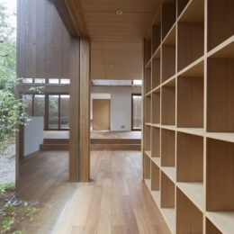 狛江の家 (廊下2(撮影:淺川敏))