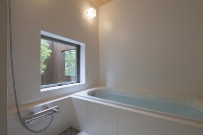 浴室(撮影:淺川敏) (狛江の家)