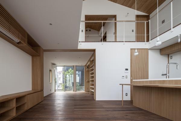 松原の切妻の部屋 LDK-2(撮影:淺川敏)