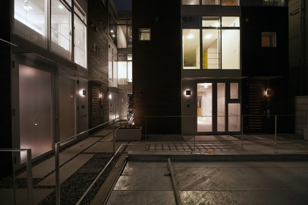 KEELS −四谷四丁目プロジェクト (エントランス(撮影:淺川敏))