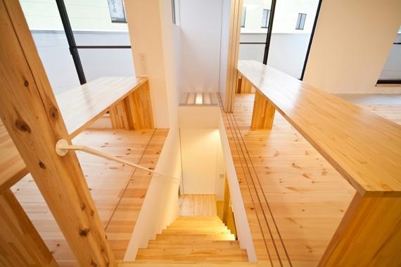 131-houseの部屋 階段(撮影:永石写真事務所)