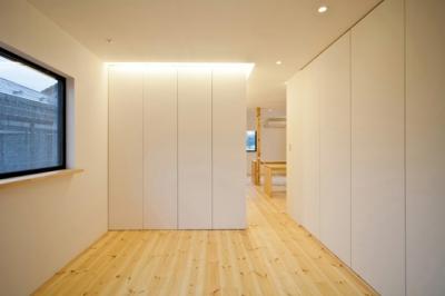 ベッドルーム(撮影:永石写真事務所) (131-house)