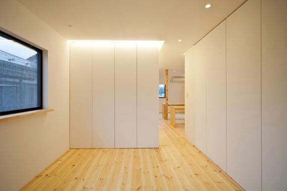 131-houseの部屋 ベッドルーム(撮影:永石写真事務所)