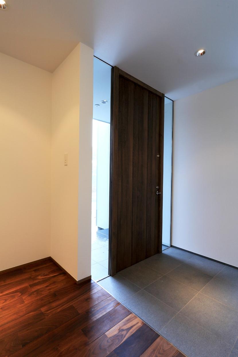 天草の住宅 (玄関)