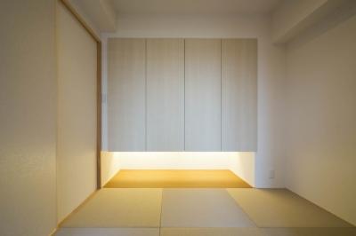 和室 (廊下を通れば見えてしまう!勉強頑張ってるかな?)