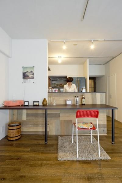 使用する素材や設備も、自分たちらしく。好きなモノで造ったちょうどいい空間にリノベーション (ダイニングキッチン)