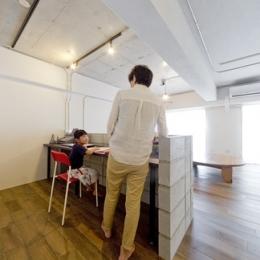 使用する素材や設備も、自分たちらしく。好きなモノで造ったちょうどいい空間にリノベーション-書斎