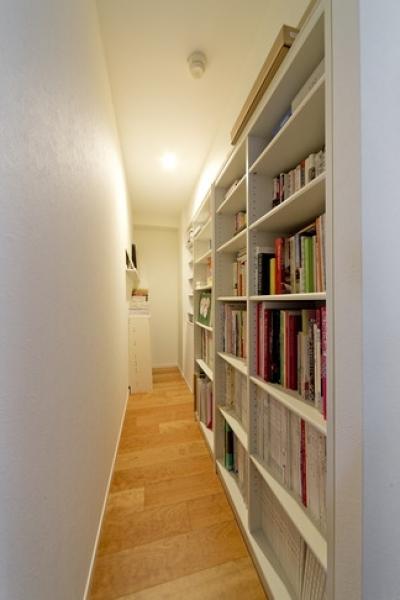 本棚 (6帖のコンパクトなリビング。これが私サイズでとっても心地良い)