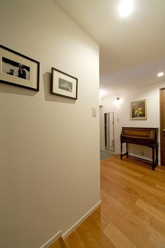 6帖のコンパクトなリビング。これが私サイズでとっても心地良いの写真 廊下
