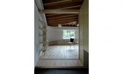 玄関(撮影:鳥村鋼一)|陽傘の家