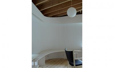 陽傘の家 (造作家具(撮影:鳥村鋼一))