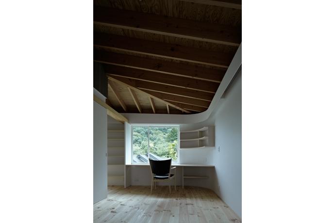 建築家:池田雪絵+大野俊治「陽傘の家」