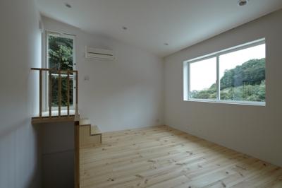 ベッドルーム1(撮影:鳥村鋼一) (陽傘の家)