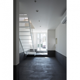 sandwich apartment (Room1-玄関(撮影:鳥村鋼一))