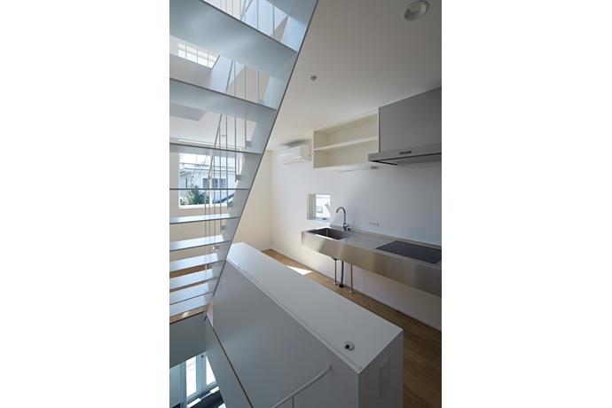 建築家:池田雪絵+大野俊治「sandwich apartment」