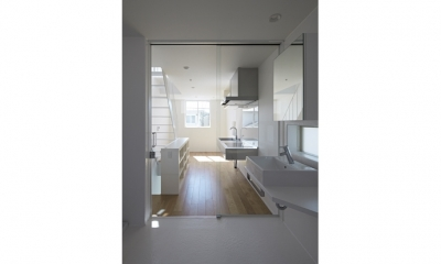 sandwich apartment (Room1-2階(撮影:鳥村鋼一))