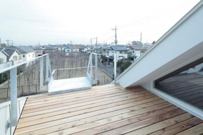 屋上デッキ(撮影:鳥村鋼一) (石神井台の家)