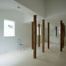 wooden forest apartementの写真 柱の間の空間-Before(撮影:鳥村鋼一)