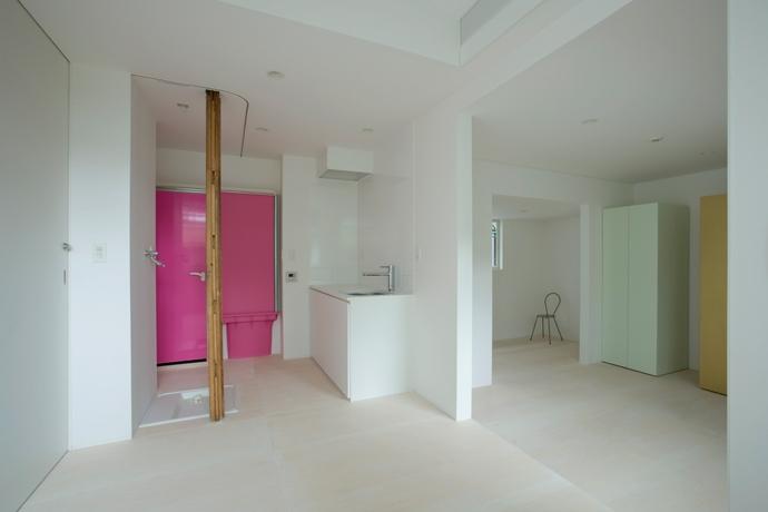 wooden forest apartement (柱を風景として捉える5(撮影:鳥村鋼一))
