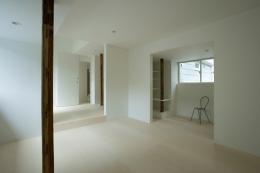 wooden forest apartement (柱を風景として捉える6(撮影:鳥村鋼一))