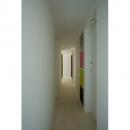 wooden forest apartementの写真 廊下(撮影:鳥村鋼一)