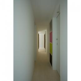wooden forest apartement (廊下(撮影:鳥村鋼一))