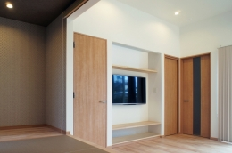 House-F 中庭ロフト付き住宅 (コアガリからの眺め)