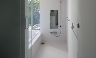 風景を通す家 (浴室)