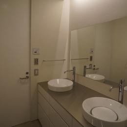 HMR [黒床の家] (洗面化粧室)