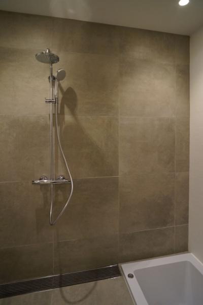 浴室 (HMR [黒床の家])