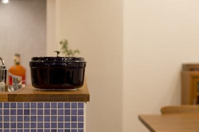 キッチン2 (大好きなインテリアに囲まれて「すっきり」暮らすSimple Life)