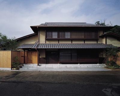 外観 (藪椿の家)