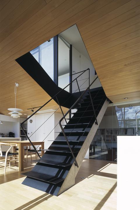 前橋の家 (リビング階段)