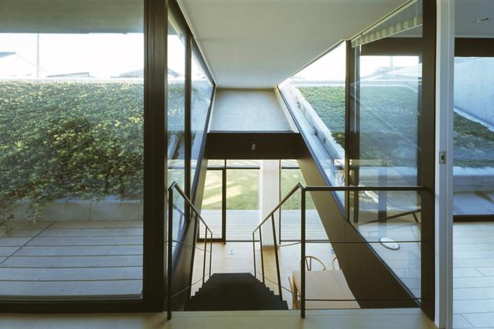 前橋の家の部屋 階段上からの眺め