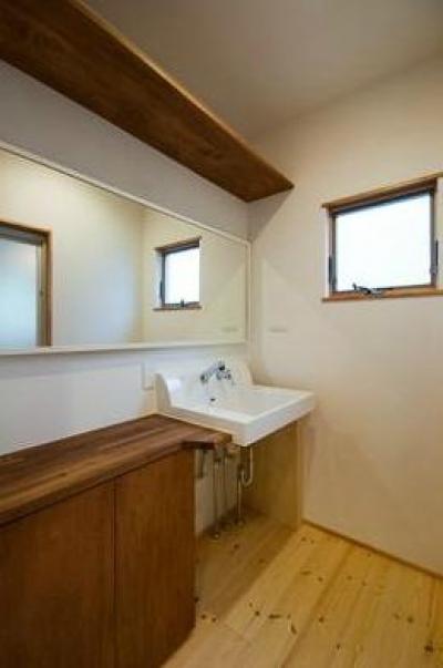 洗面スペース (中戸祭の家)