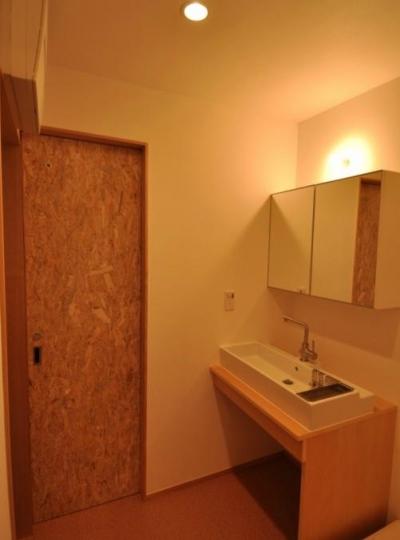 洗面所 (木が溢れる家)